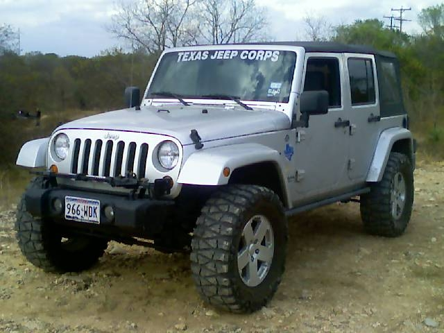 jeep_at_devils_den