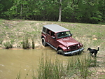 Jeep_in_pond_EASTER_2009_100.JPG