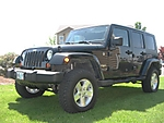 07_Sahara_with_Rubicon_tires_and_wheels_2.jpg