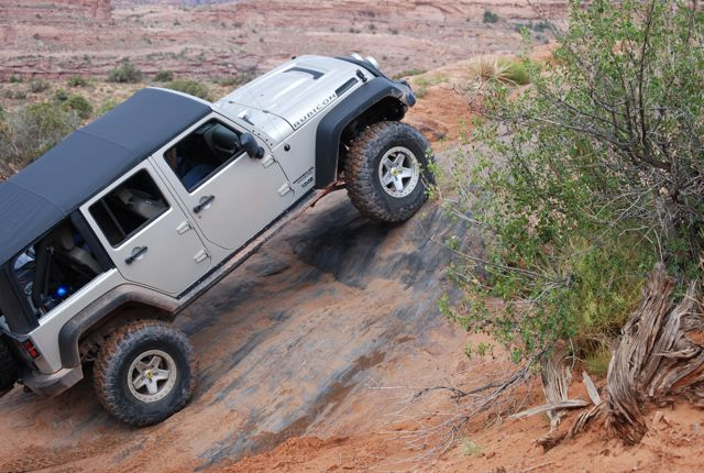 Jeep_climb_in_Moab