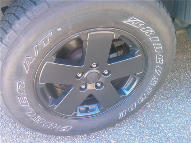 jeep_wheel_close