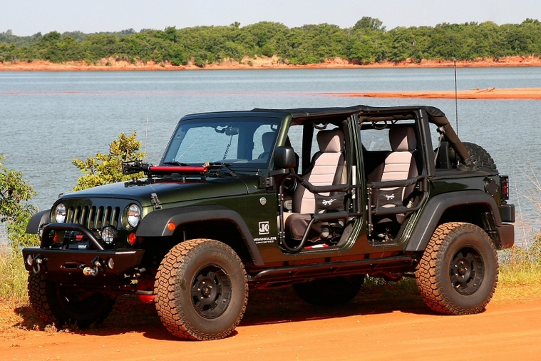 Also I think that the four door looks cool with doors off but even cooler with tube doors . : doors off - Pezcame.Com
