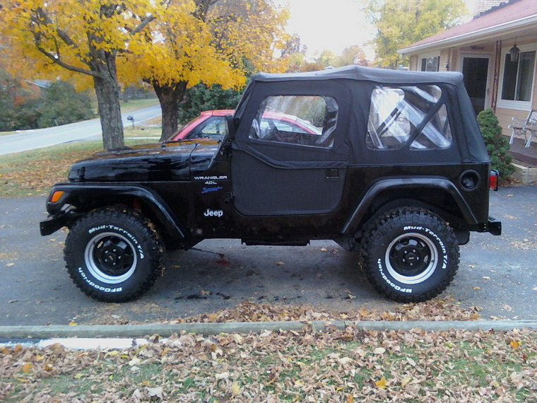 Pic Request - White letters on tires facing out on a black JK - JK