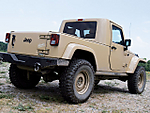 0711tr_05_z_jeep_jt_concept_rear_view.jpg