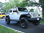 Jeep_and_Tires_003.jpg