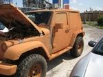 Muddy_Jeep_001.jpg