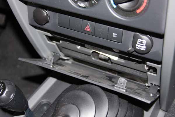 Alpine IVA-W205 Stereo Head Unit install - JKowners com : Jeep
