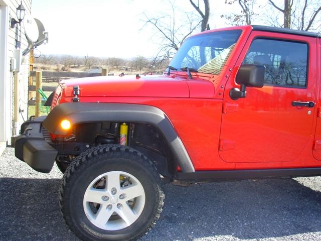 Jeep_-_lift_tires_001