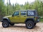 Jeep_w_lift.jpg
