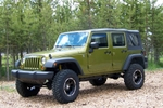 Jeep_w_lift_2.jpg